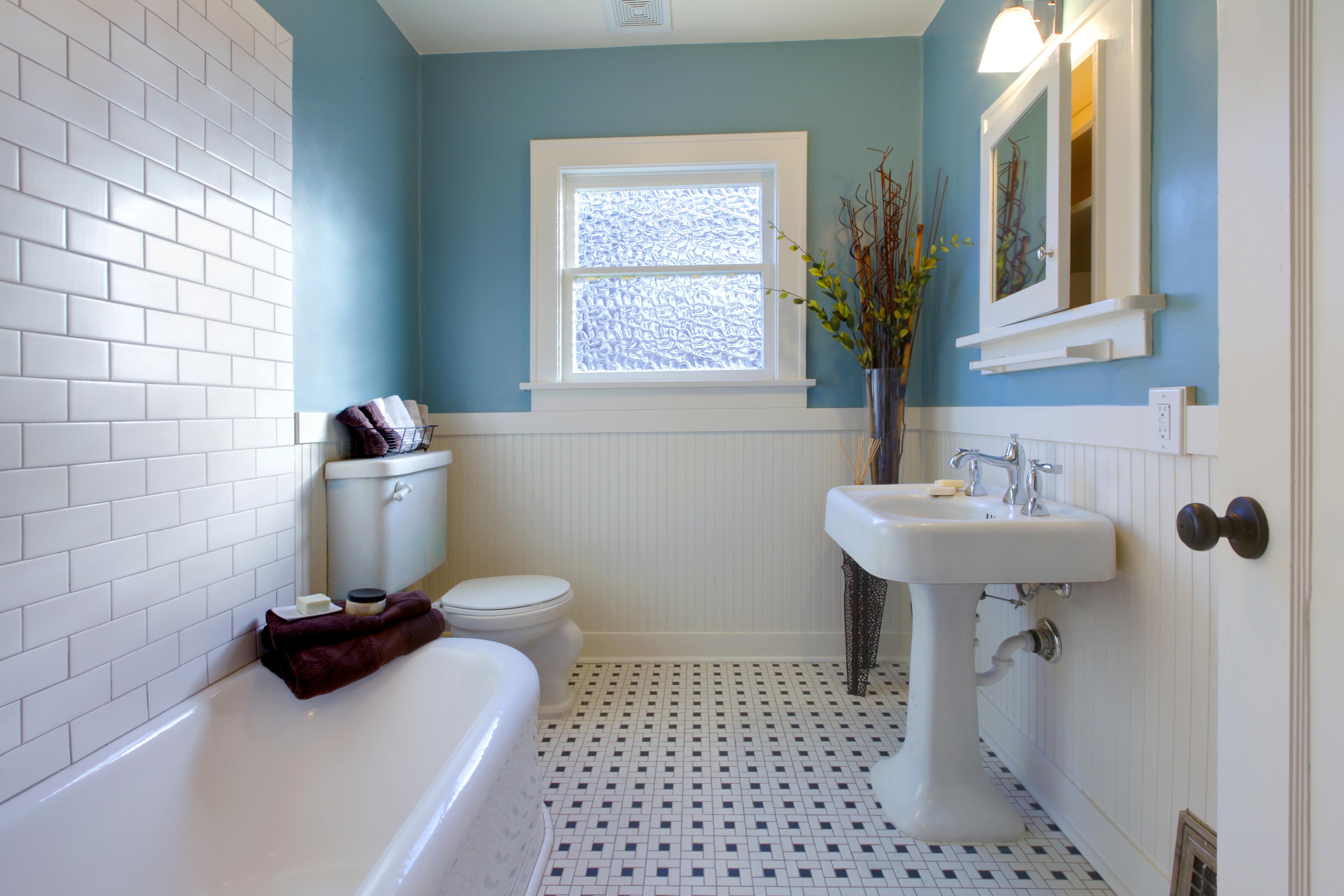 couleurs dans la salle de bains