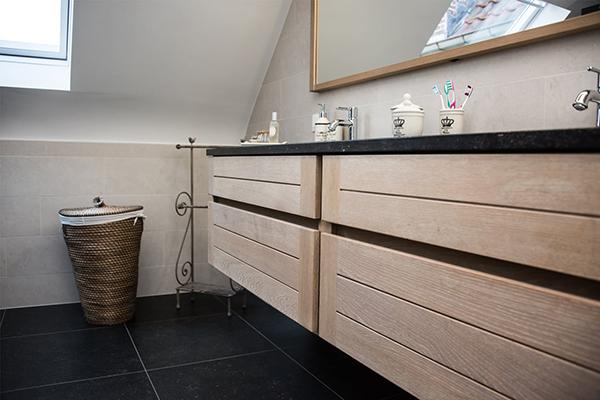 meubles de salle de bains en bois massif