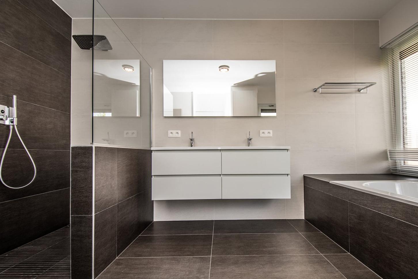 Enduit Carrelage Salle De Bain pourquoi préférer du carrelage dans la salle de bains ?