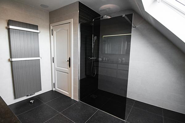 Pourquoi remplacer votre baignoire par une douche voici - Transformer une baignoire en douche ...