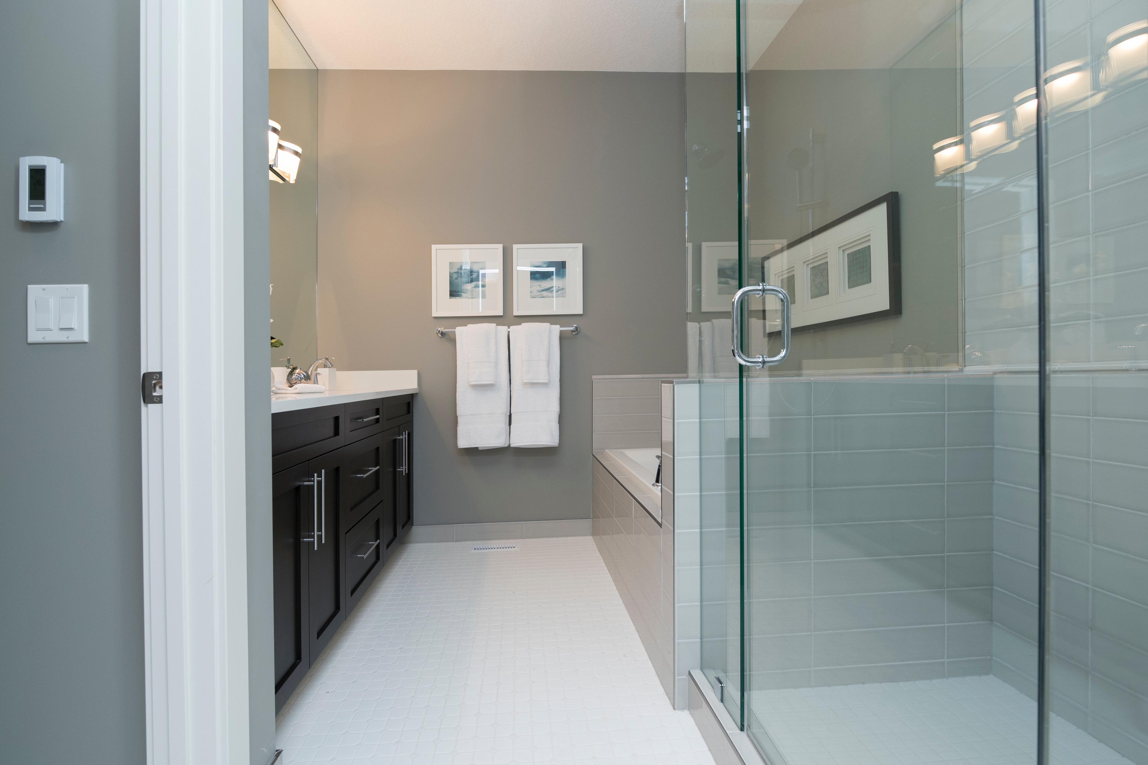 salle de bains facile à l'entretien